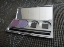 Eye shadow compact with Dragonfly and Drama Bomb