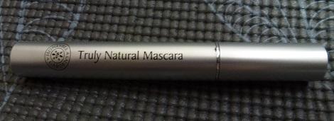 Mascara in Black Magic side view